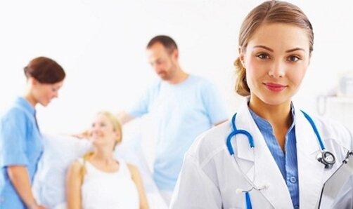 Медсестра с больными