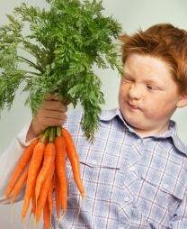 Мальчик с морковью