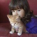 Девочка со своим любимым Рыжиком