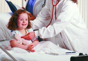 Доктор и маленькая девочка