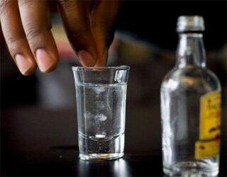 Водка и пара таблеток