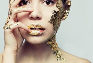 золотая фальга на лице
